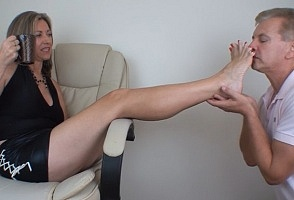 Slave To Feet download